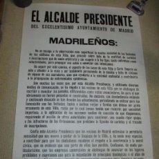 Carteles Políticos: BANDO DEL ALCALDE DE MADRID ENRIQUE TIERNO GALVÁN, AUTÉNTICO 63X100 LA SUCIEDAD DE LAS FACHADAS 1981. Lote 79949777