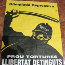 Carteles Políticos: CARTEL POSTER POLITICO OLIMPIADAS BARCELONA LLIBERTAT DETINGUTS , OLIMPIADA REPRESSIVA 62 / 40 CM. Lote 111420767