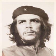 Carteles Políticos: POSTER DE FOTOGRAFÍA ORIGINAL. CHE GUEVARA. FIRMADA ALBERTO DÍAZ KORDA. 2000.. Lote 138578030