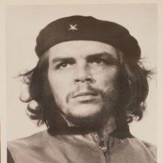 Carteles Políticos: POSTER DE FOTOGRAFÍA ORIGINAL. CHE GUEVARA. FIRMADA ALBERTO DÍAZ KORDA. 2000.. Lote 139026762
