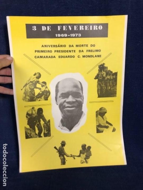 CARTEL 3 FEVREIRO 1969 1973 ANIVERSARIO MORTE PRESIDENTE FRELIMO MONDLANE REPUBLICA MOÇAMBIQUE (Coleccionismo - Carteles gran Formato - Carteles Políticos)