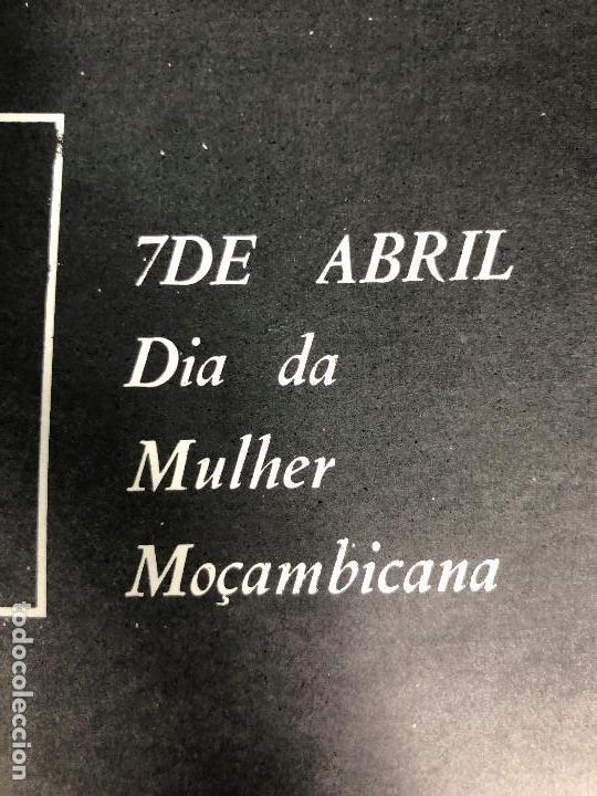 Carteles Políticos: CARTEL MOÇAMBIQUE AÑOS 70 7 ABRIL MULHER FRELIMO 38X27,5CMS - Foto 2 - 145506070