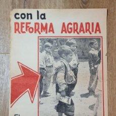 Carteles Políticos: PERÚ. POSTER REFORMA AGRARIA, EL GOBIERNO REVOLUCIONARIO ASEGURA SU DESTINO. AÑOS 70. Lote 191302116