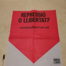 Carteles Políticos: CARTEL ORIGINAL - REPRESION FIRMA AMNISTIA - POLITICA - INDEPENDENTISMO CATALUÑA. Lote 221519563