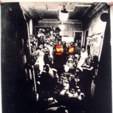 Carteles Publicitarios: CARTEL PUBLICIDAD, EQUIPO CRONICA , EXPOSICION BARCELONA AÑOS 1970, SERIGRAFIA, ORIGINAL. Lote 34239055