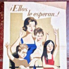 Carteles Publicitarios: CARTEL PUBLICIDAD JEFATURA CENTRAL DE TRAFICO CONDUZCA PRUDENCIA DECORACION VINTAGE FAMILIA 1961 (5,. Lote 48398054