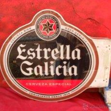 Carteles Publicitarios: CARTEL,LETRERO,CERVEZA ESTRELLA GALICIA,LITOGRAFIADO LAS 2 CARAS. Lote 220809683