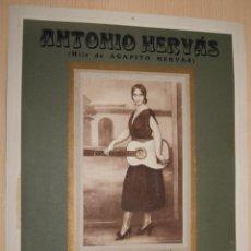 Carteles Publicitarios: PRECIOSO CARTEL TROQUELADO DE ANTONIO HERVÁS - FÁBRICA DE ALCOHOLES, ANISADOS Y LICORES - AÑO 1917. Lote 54437222