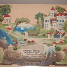 Carteles Publicitarios: PRECIOSO CARTEL TROQUELADO DE ANTONIO HERVÁS - FÁBRICA DE ALCOHOLES, ANISADOS Y LICORES - AÑO 1917. Lote 54437313