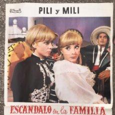 Carteles Publicitarios: CARTEL PUBLICIDAD CINE PILI Y MILI ESCANDALO EN LA FAMILIA NINI MARSHALL DECORACION VINTAGE (80). Lote 54911598