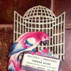 Carteles Publicitarios: CARTEL CARTON TROQUELADO PUBLICIDAD FRUITERIA I VERDULERIA TERESA ELIES BARCELONA DECORACION. Lote 63686567