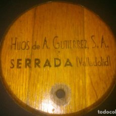 Carteles Publicitarios: TAPA DE TONEL PUBLICITARIA HIJOS DE A.GUTIEREZ. DECORACIÓN BAR.. Lote 74914175