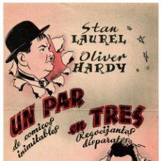 Carteles Publicitarios: CARTEL ORIGINAL- STEN LAUREL, OLIVER HERDY UN PAR DE TRES - LA ÚLTIMA EQUIVOCACIÓN VII -16,5X22,5 CM. Lote 87443552
