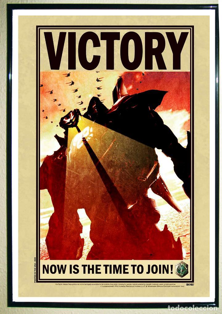 POSTER DE PELICULA - PACIFIC RIM INVASION - VICTORY NYCC 2009 DE LA WARNER BROS .TAMAÑO 67X 47 CMS (Coleccionismo - Carteles Gran Formato - Carteles Publicitarios)