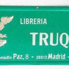 Carteles Publicitarios: CARTEL DE CARTÓN LIBRERÍA TRUQUE. Lote 122663031