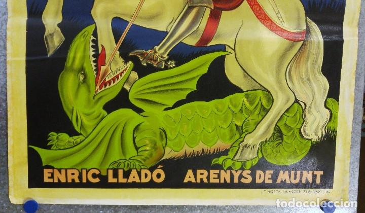 Carteles Publicitarios: LICOR SANT JORDI. DEMANEU ARREU. ENRIC LLADÓ ARENYS DE MUNT. PRECIOSO CARTEL LITOGRAFICO c.1930 - Foto 4 - 180350727