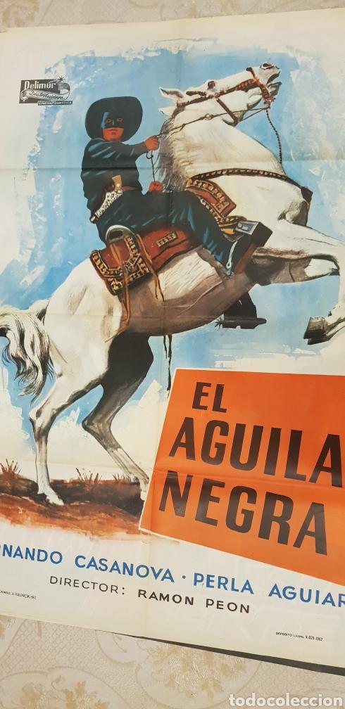 EL AGUILA NEGRA .CARTEL LITOGRAFICO.1962. (Coleccionismo - Carteles Gran Formato - Carteles Publicitarios)