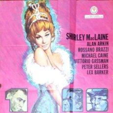 Carteles Publicitarios: CARTEL DE CINE. 7 VECES MUJER. 1972. SHIRLEY MACLAINE. MED: 90 X 69 CM APROX. VER FOTO. Lote 182319226