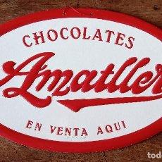 Carteles Publicitarios: CARTEL PUBLICITARIO CHOCOLATES AMATLLER DE VENTA AQUI. CARTON DURO. 37.5 X 23.5 CM. Lote 222443618