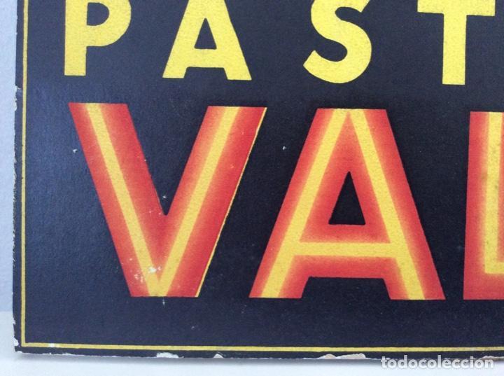 Carteles Publicitarios: CARTEL EXPOSITOR ORIGINAL DE LOS AÑOS 40 PASTILLAS VALDA - Foto 5 - 186244233
