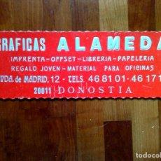 Carteles Publicitarios: CARTEL PUBLICITARIO DE CARTÓN DURO DE GRAFICAS ALAMEDA,DONOSTIA (44CM. X 15,5CM.) DESCRIPCIÓN. Lote 194193210