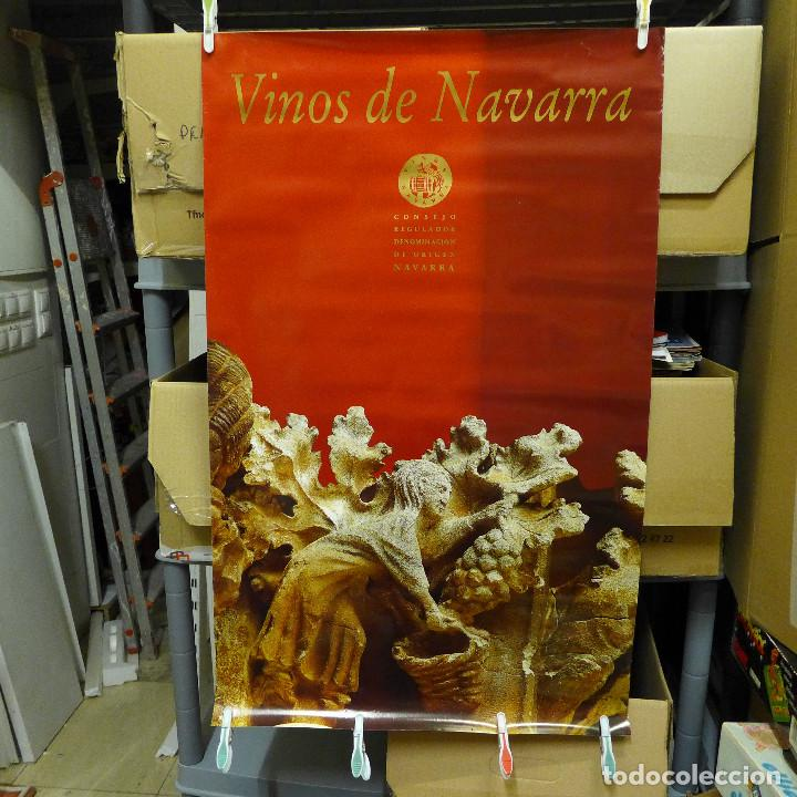 CARTEL DE LOS VINOS DE NAVARRA CONSEJO REGULADOR DENOMINACION DE ORIGEN NAVARRA (Coleccionismo - Carteles Gran Formato - Carteles Publicitarios)