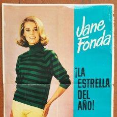 Carteles Publicitarios: IMPRESIONANTE POSTER CARTEL JANE FONDA ¡LA ESTRELLA DEL AÑO!, VILADOT 1964 100 X 70 CM . Lote 196089427