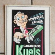 Carteles Publicitarios: CARTEL CARTONÉ PUBLICITARIO CARAMELOS KUELS MEDIADOS XX. Lote 205790902