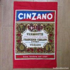 Carteles Publicitarios: CARTEL EN TELA (ALGODÓN) VERMOUTH CINZANO 75 X 49 CM. Lote 213970110