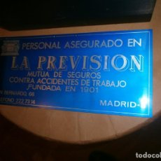 Carteles Publicitarios: LETRERO CARTEL DE ALUMINIO PERSONAL ASEGURADO LA PREVISIÓN MUTUA SEGUROS MADRID AZUL COBALTO 28X23 C. Lote 244918365
