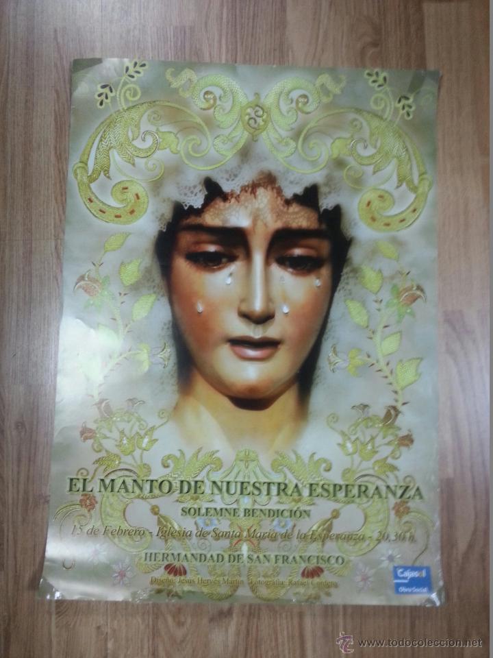 CARTEL EL MANTO DE NUESTRA SEÑORA ESPERANZA 48X69 CM (Coleccionismo - Carteles Gran Formato - Carteles Semana Santa)