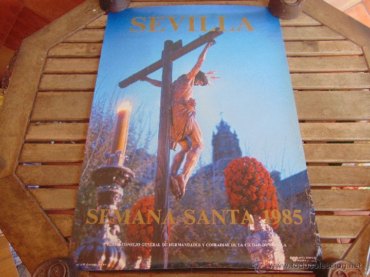 CARTEL DE LA SEMANA SANTA DE SEVILLA MIDE 69 X 49 CM CRISTO DEL CALVARIO 1985 (Coleccionismo - Carteles Gran Formato - Carteles Semana Santa)