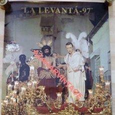 Carteles de Semana Santa: SEMANA SANTA SEVILLA LA LEVANTÁ 1997, 50X70 CMS. Lote 116155015