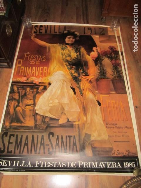 FIESTAS DE PRIMAVERA SEVILLA 1985 SEMANA SANTA Y FERIA IMPRESIONANTE CARTEL 160 X 110 CM. CARTULINA (Coleccionismo - Carteles Gran Formato - Carteles Semana Santa)