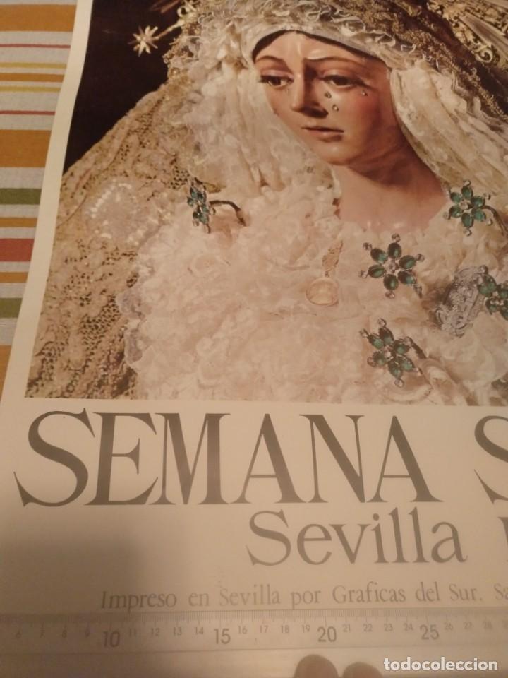 Carteles de Semana Santa: Cartel semana santa de Sevilla de 1971 foto Emilio Sáenz 70x44,5 centímetros - Foto 3 - 187468057