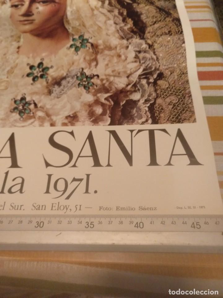 Carteles de Semana Santa: Cartel semana santa de Sevilla de 1971 foto Emilio Sáenz 70x44,5 centímetros - Foto 5 - 187468057