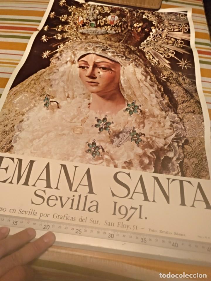 Carteles de Semana Santa: Cartel semana santa de Sevilla de 1971 foto Emilio Sáenz 70x44,5 centímetros - Foto 6 - 187468057