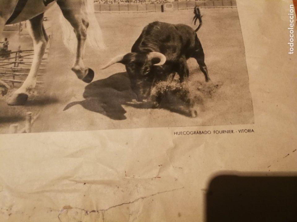 Carteles de Semana Santa: CARTEL FIESTA PRIMAVERALES SEVILLA 1944 ORIGINAL FOTOGRAFO SERRANO HUECOGRABADO FOURNIER VICTORIA - Foto 3 - 210805329