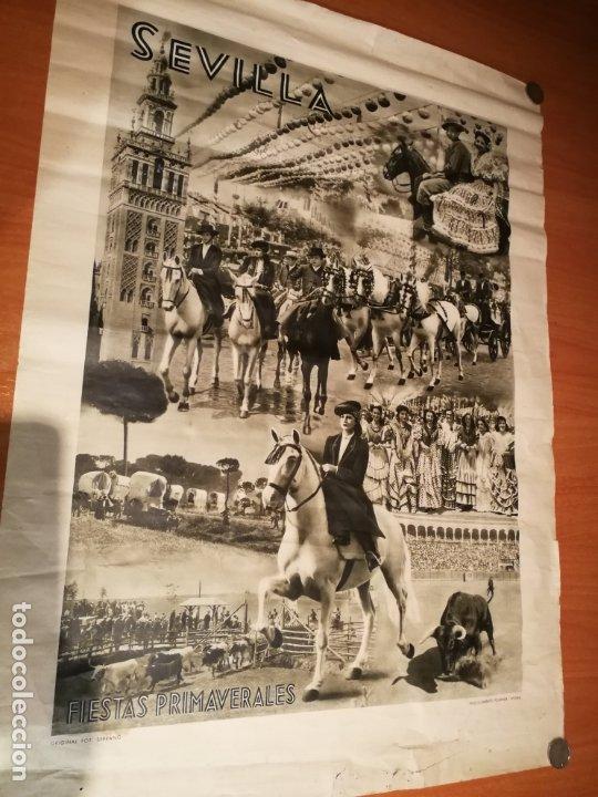CARTEL FIESTA PRIMAVERALES SEVILLA 1944 ORIGINAL FOTOGRAFO SERRANO HUECOGRABADO FOURNIER VICTORIA (Coleccionismo - Carteles Gran Formato - Carteles Semana Santa)