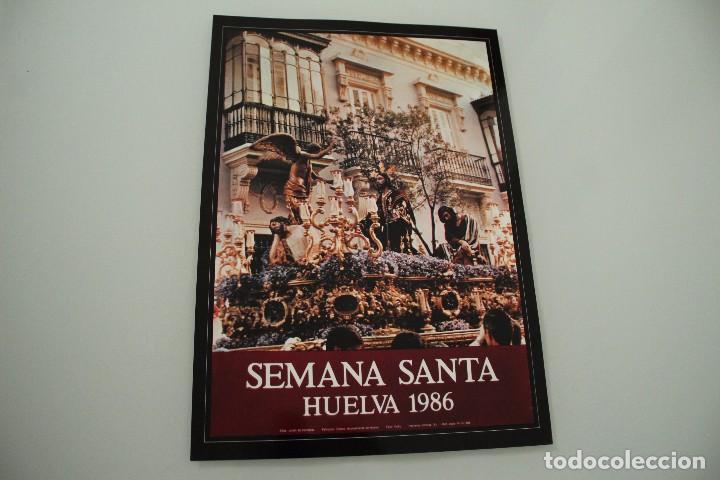 CARTEL DE SEMANA SANTA HUELVA PERIÓDICO ODIEL AÑO 1986 (Coleccionismo - Carteles Gran Formato - Carteles Semana Santa)