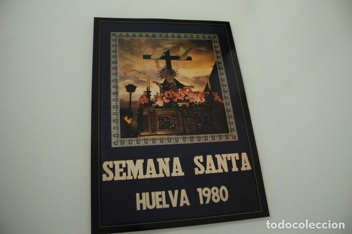 CARTEL DE SEMANA SANTA HUELVA PERIÓDICO ODIEL AÑO 1980 (Coleccionismo - Carteles Gran Formato - Carteles Semana Santa)