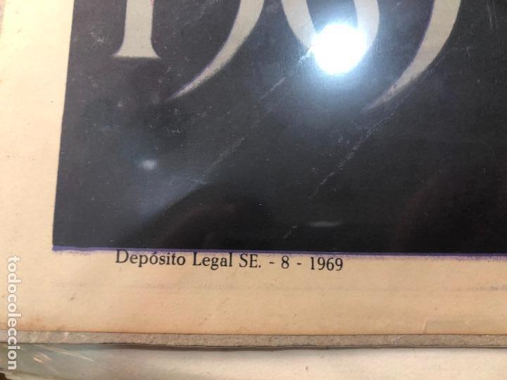 Carteles de Semana Santa: CARTEL ORIGINAL SEMANA SANTA DE SEVILLA AÑO 1969 - MEDIDA 68X46 CM - RELIGIOSO - Foto 3 - 263168260