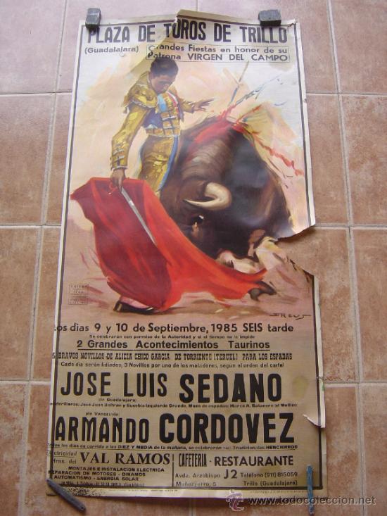 PLAZA DE TOROS DE TRUJILLO (GUADALAJARA) 1985 LITOGRAFIA- ILUSTRADOR: J.REUS (Coleccionismo - Carteles Gran Formato - Carteles Toros)
