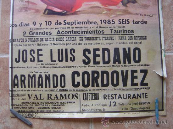 Carteles Toros: PLAZA DE TOROS DE TRUJILLO (GUADALAJARA) 1985 LITOGRAFIA- ILUSTRADOR: J.REUS - Foto 2 - 37758094