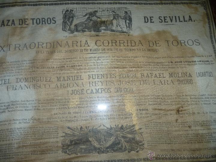 Carteles Toros: TAUROMAQUIA EXCEPCIONAL CARTEL DE TOROS DE SEVILLA EN SEDA AÑO 1876 - Foto 2 - 40965638