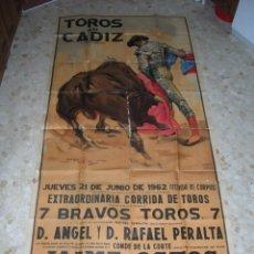 Carteles Toros: PLAZA DE TOROS DE CÁDIZ.GRAN CARTEL DE TOROS TAMAÑO BODEGA: 265 X 110 CTMS. NECESITA RESTAURACIÓN.. Lote 47331583