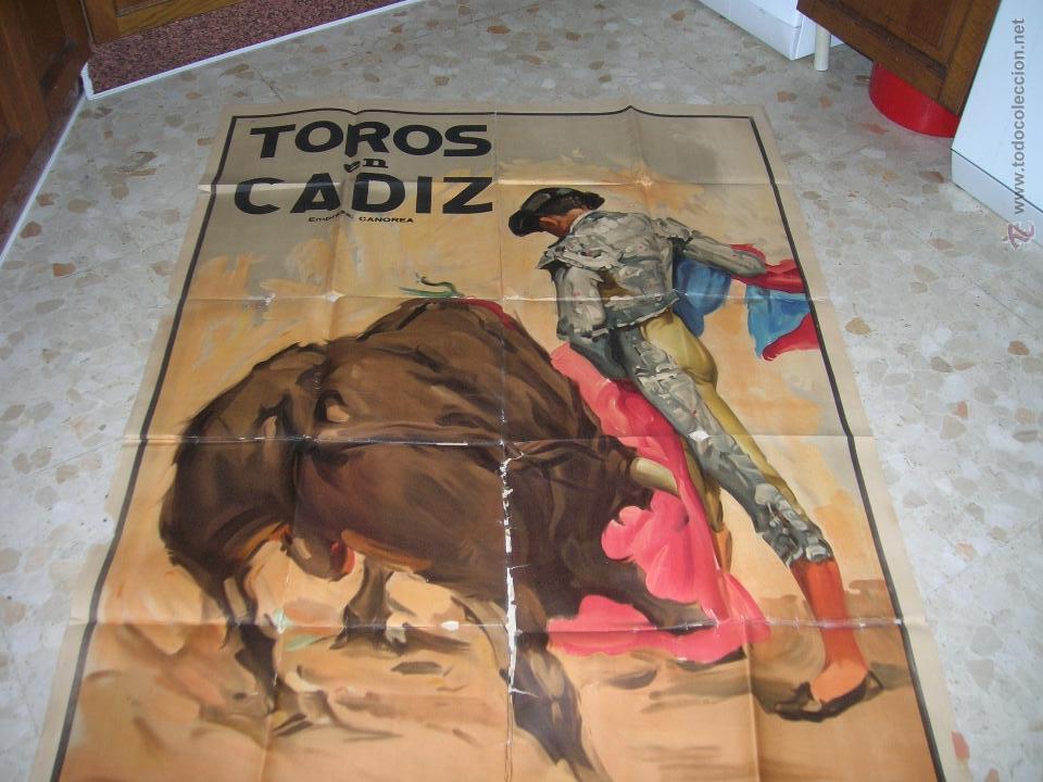 Carteles Toros: Plaza de toros de Cádiz.Gran cartel de toros tamaño bodega: 265 x 110 ctms. Necesita restauración. - Foto 3 - 47331583