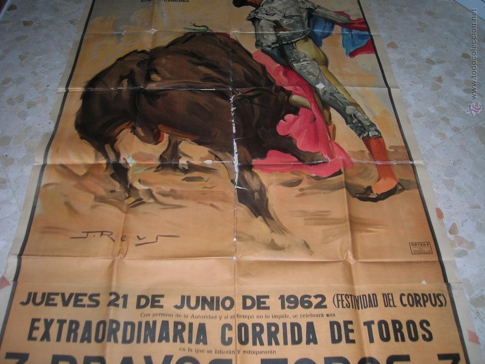Carteles Toros: Plaza de toros de Cádiz.Gran cartel de toros tamaño bodega: 265 x 110 ctms. Necesita restauración. - Foto 4 - 47331583