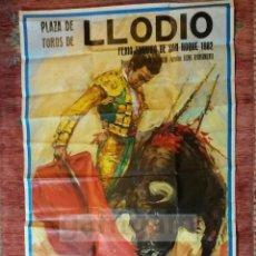 Carteles Toros: CARTEL DE TOROS LLODIO LAUDIO (ALAVA) AÑO 1982 152X74CM (FERIA TAURINA DE SAN ROQUE). Lote 54749697
