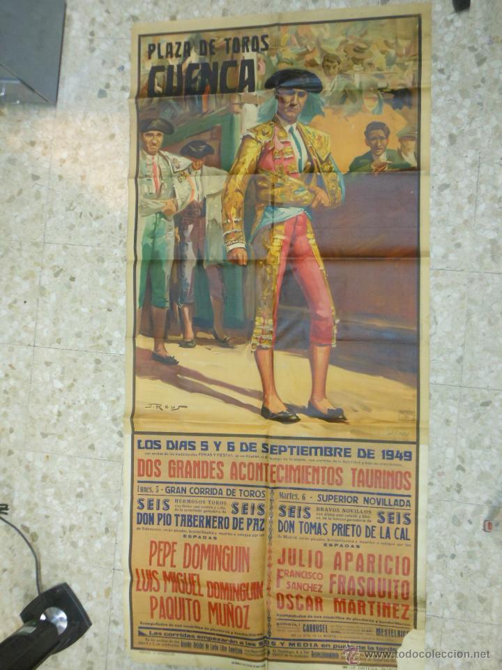 Carteles Toros: 1949 CARTEL GIGANTE DE TOROS DE CUENCA POR J. REUS - LUIS Y PEPE DOMINGUIN - JULIO APARICIO - Foto 3 - 54951571